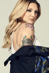 640x1136 Julia Michaels Singer