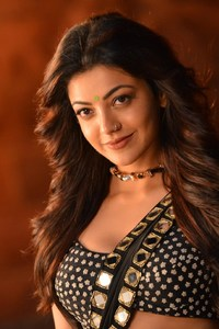 1440x2560 Kajal Agarwal In Pakka Local