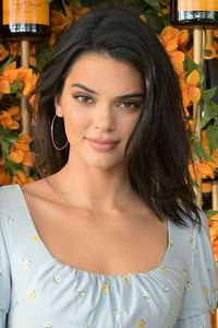 720x1280 Kendall Jenner 2018 Photoshoot