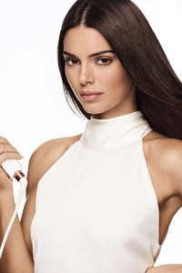 640x1136 Kendall Jenner X Formawell