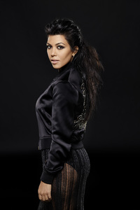 750x1334 Kourtney Kardashian Keeping Up With The Kardashians Season 14 2018