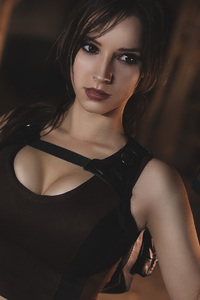 1280x2120 Lara Croft Cosplay