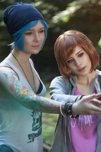 800x1280 Life Is Strange Girls Cosplay 4k