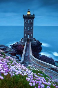 320x480 Lighthouse Spring