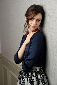 480x854 Lily Collins Cute 2017 4k