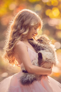 320x480 Little Girl With Cat