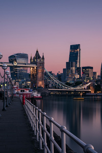 360x640 London Evening Buildings Water Side 8k