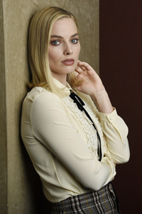Margot Robbie Latest Photoshoot