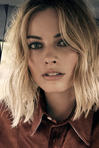 Margot Robbie W Magazine 2017