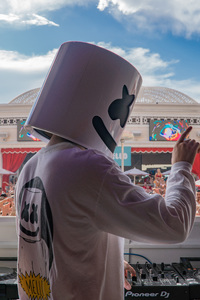 720x1280 Marshmello Encore Beach 5k