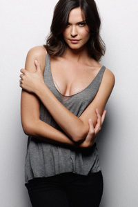 240x400 Odette Annable 2018