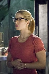 480x800 Oliver Queen And Felicity Smoak In Season 6