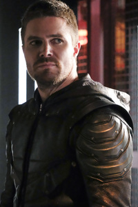 540x960 Oliver Queen As Arrow Season 6 2018 Latest