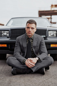 2160x3840 Sebastian Stan GQ April 2018