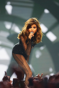Selena Gomez Live On Stage 5k
