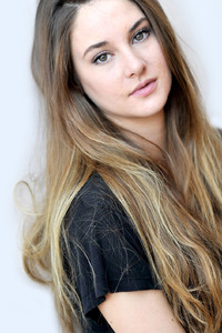 320x480 Shailene Woodley Actress