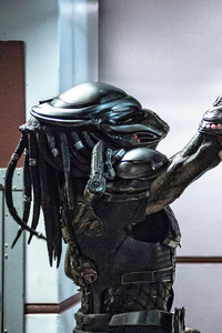 240x400 The Predator Movie SDCC First Look