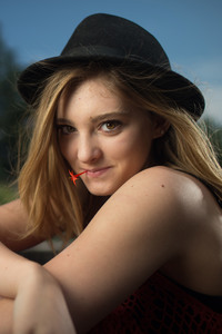 Willow Shields Cute