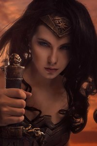 320x480 Wonder Woman Cosplay