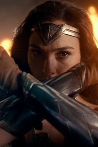 640x1136 Wonder Woman In Justice League 2017