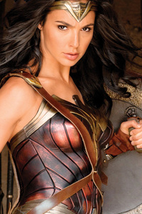 720x1280 Wonder Woman With Shield