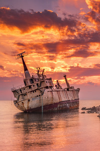 2160x3840 Wrecked Ship 4k